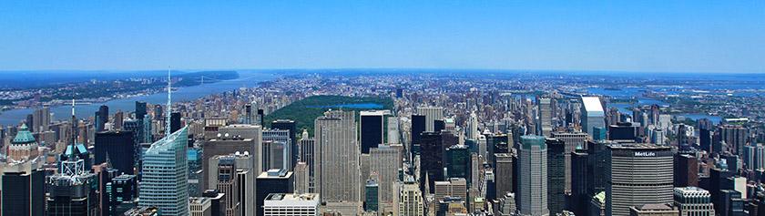 Empire State Buildingin huipulla ja eloisa vahamuseo