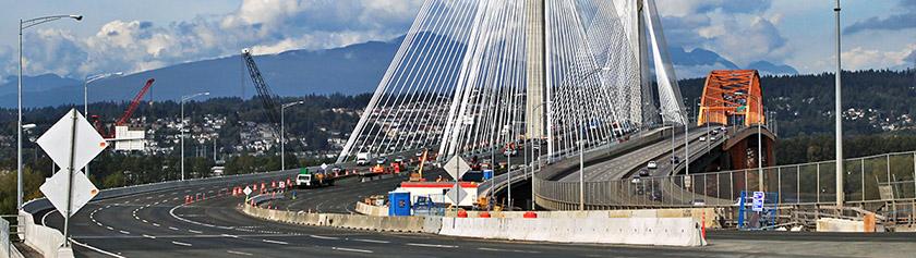 Yli uuden Port Mann Bridgen