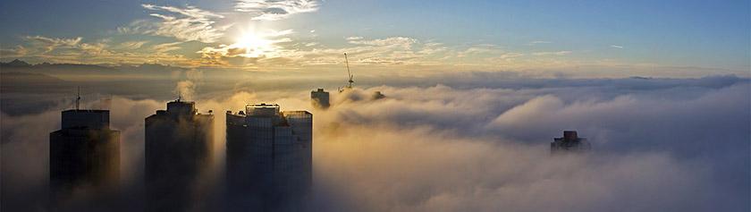 Herääminen pilvien yläpuolella